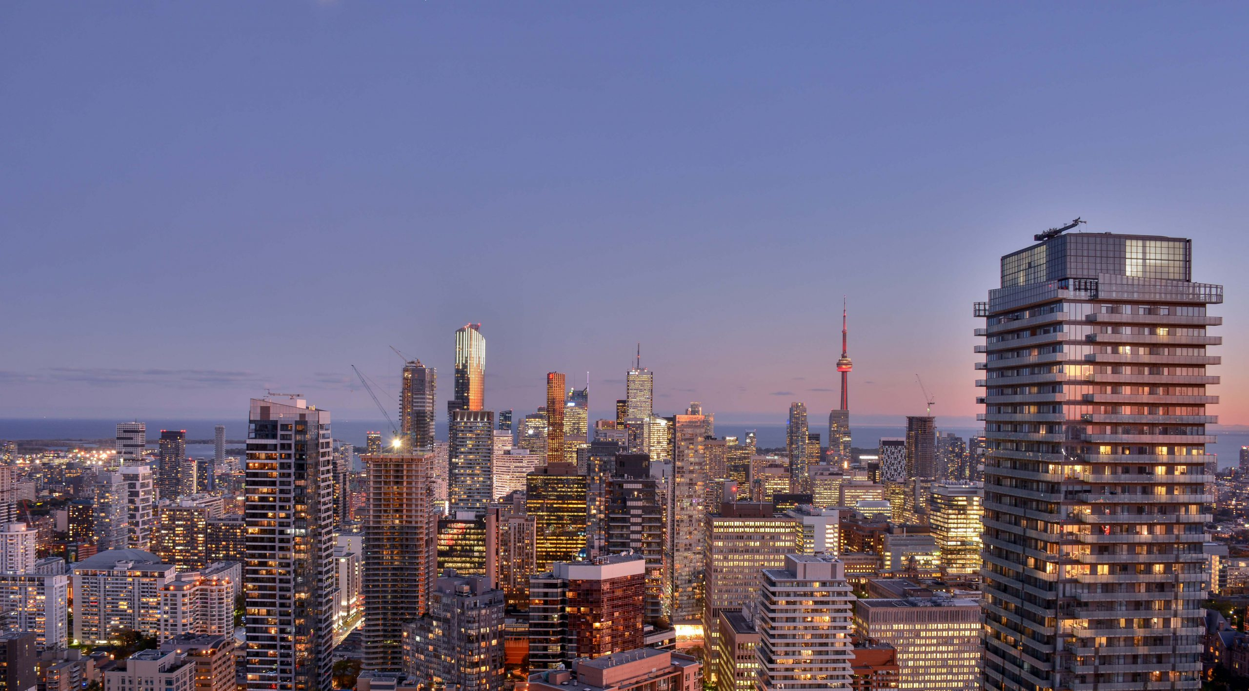 toronto skyline at sunset from the manulife building